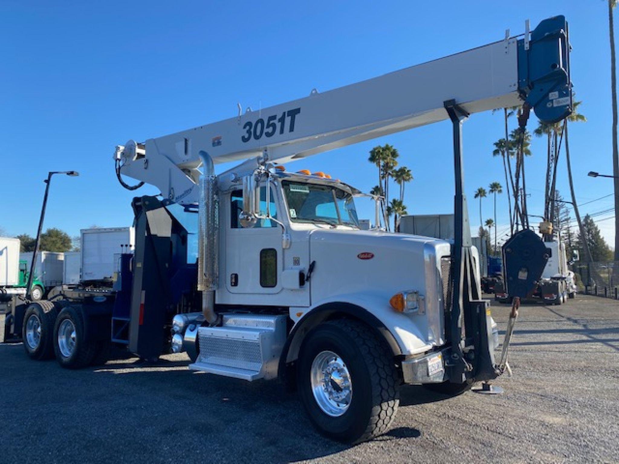 2015 Peterbilt 365 Crane Truck For Sale With MANITEX 3051T Crane