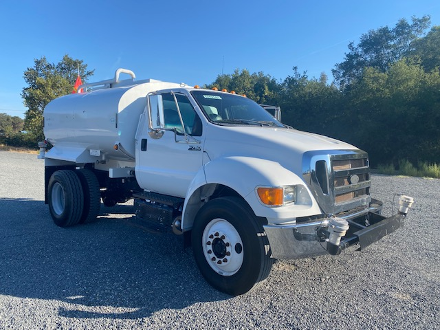 2015 Ford F750 Water Truck With 2,000 Gallon Valew Tank