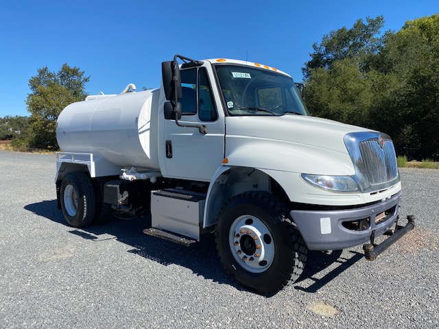 2015 International 4300 Water Trucks For Sale With 2,000 Gallon Capacity