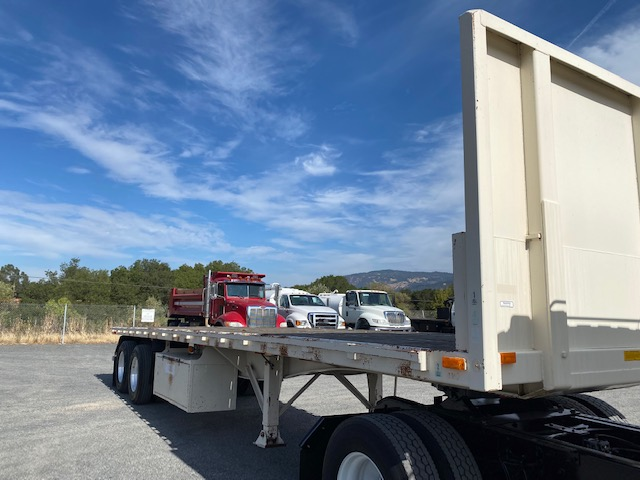 1998 Utility Flatbed 34' Trailer For Sale With Air Ride Suspension